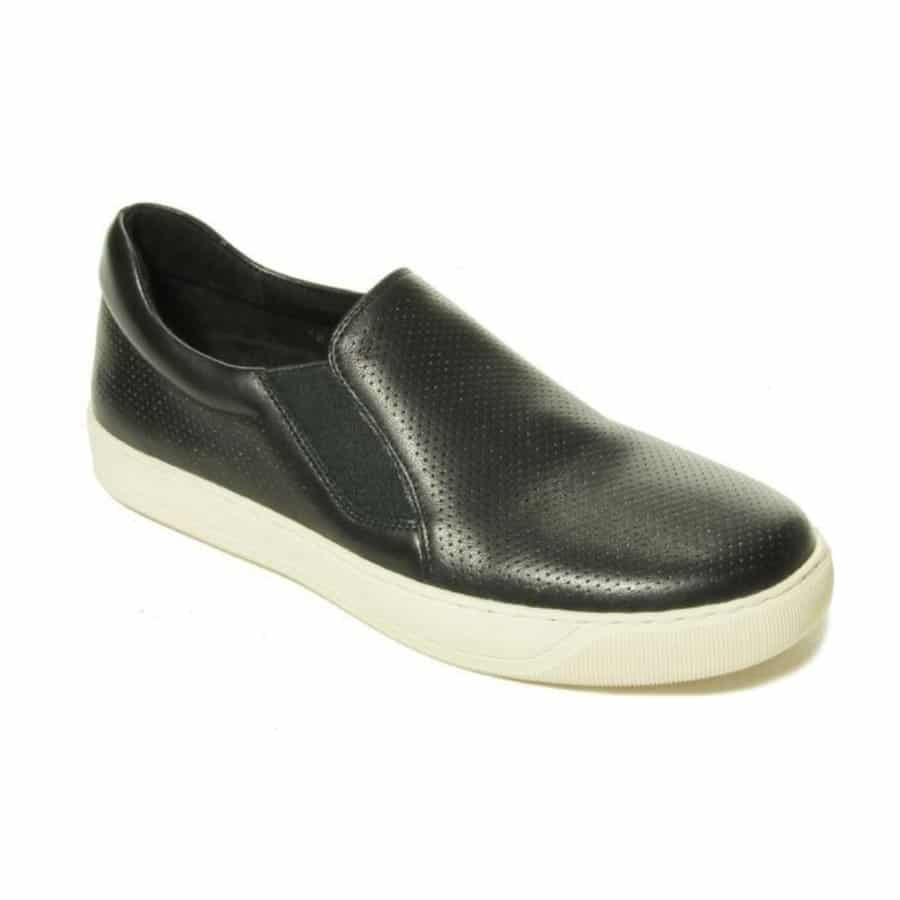 5 Comfortable and Stylish Shoes Perfect for Women Over 40 14