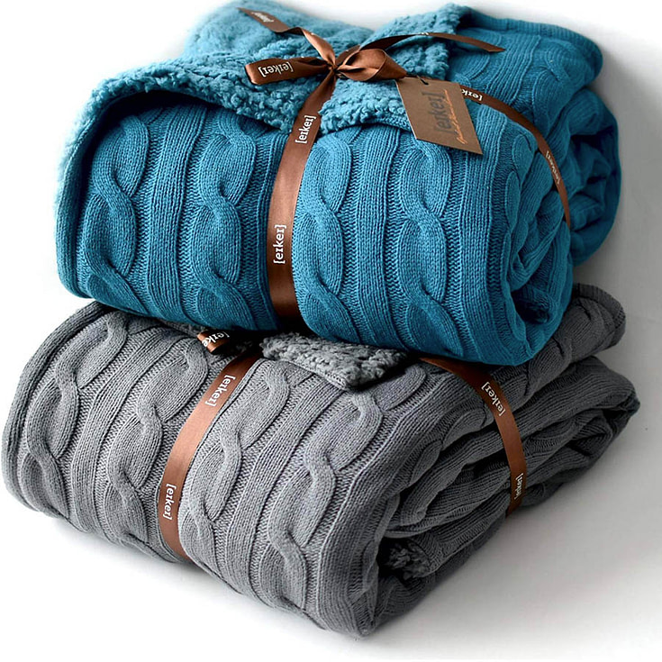 ReversibleCable Knit Oversized Throw